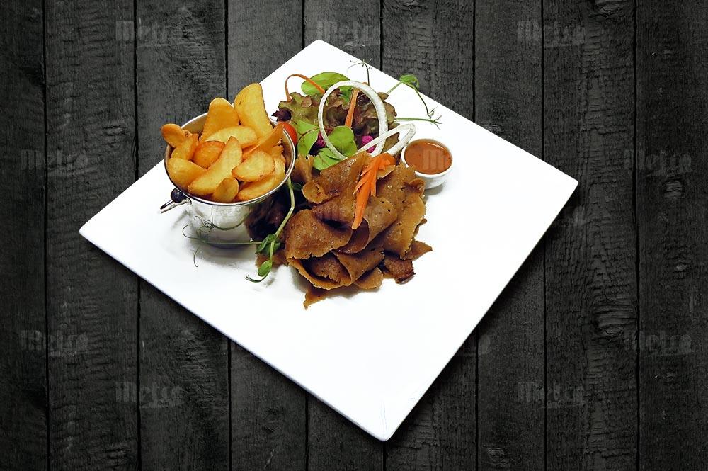 Metrofood kebab lohkoperunoilla