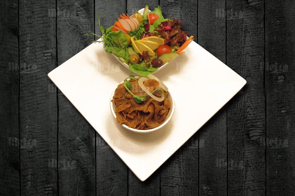 Metrofood kebab salaatilla