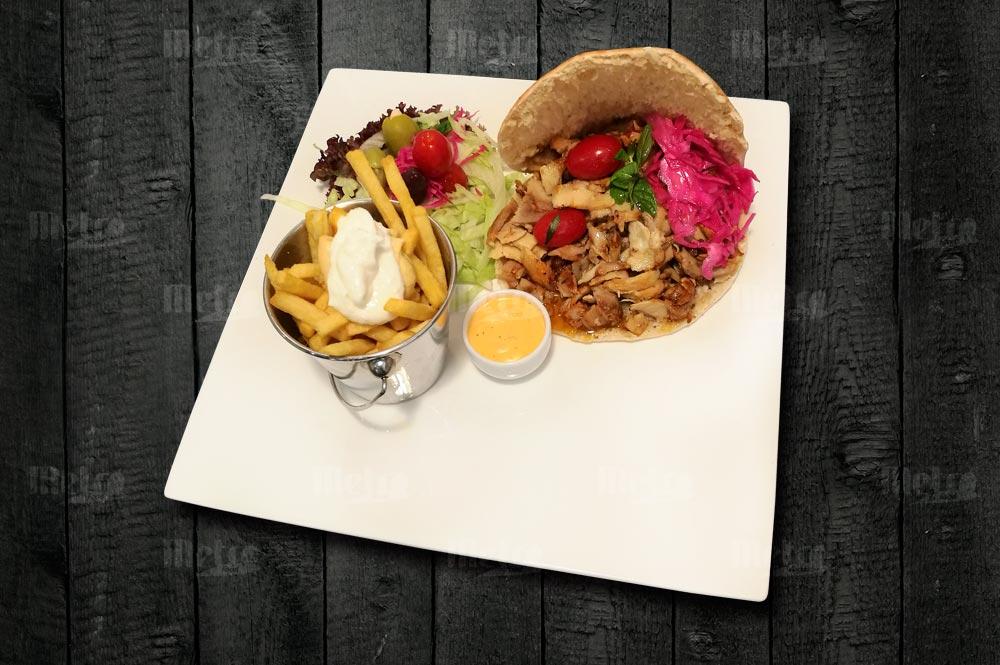 Kana shawarma pitaleivällä